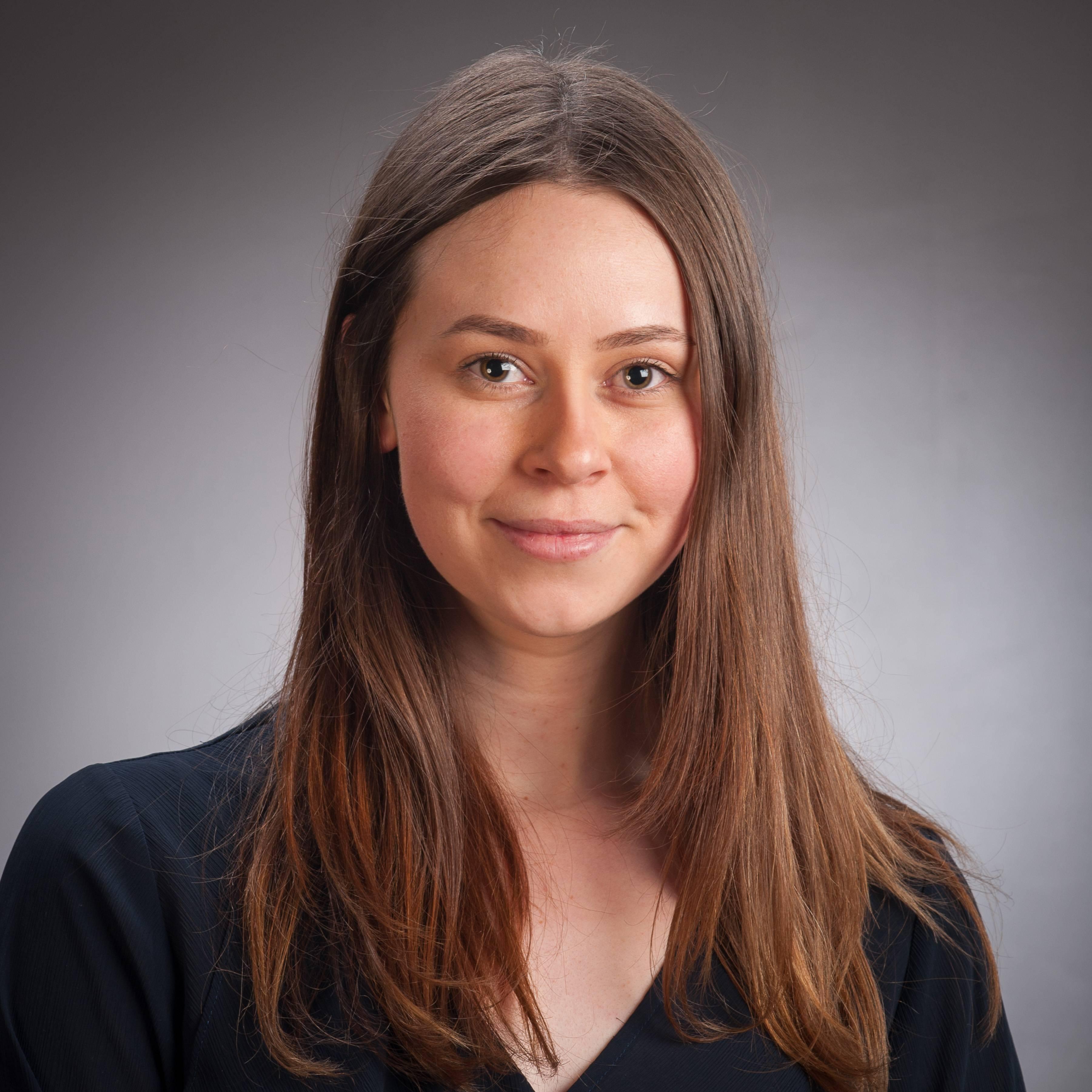 Rebecca Mines profile picture photograph
