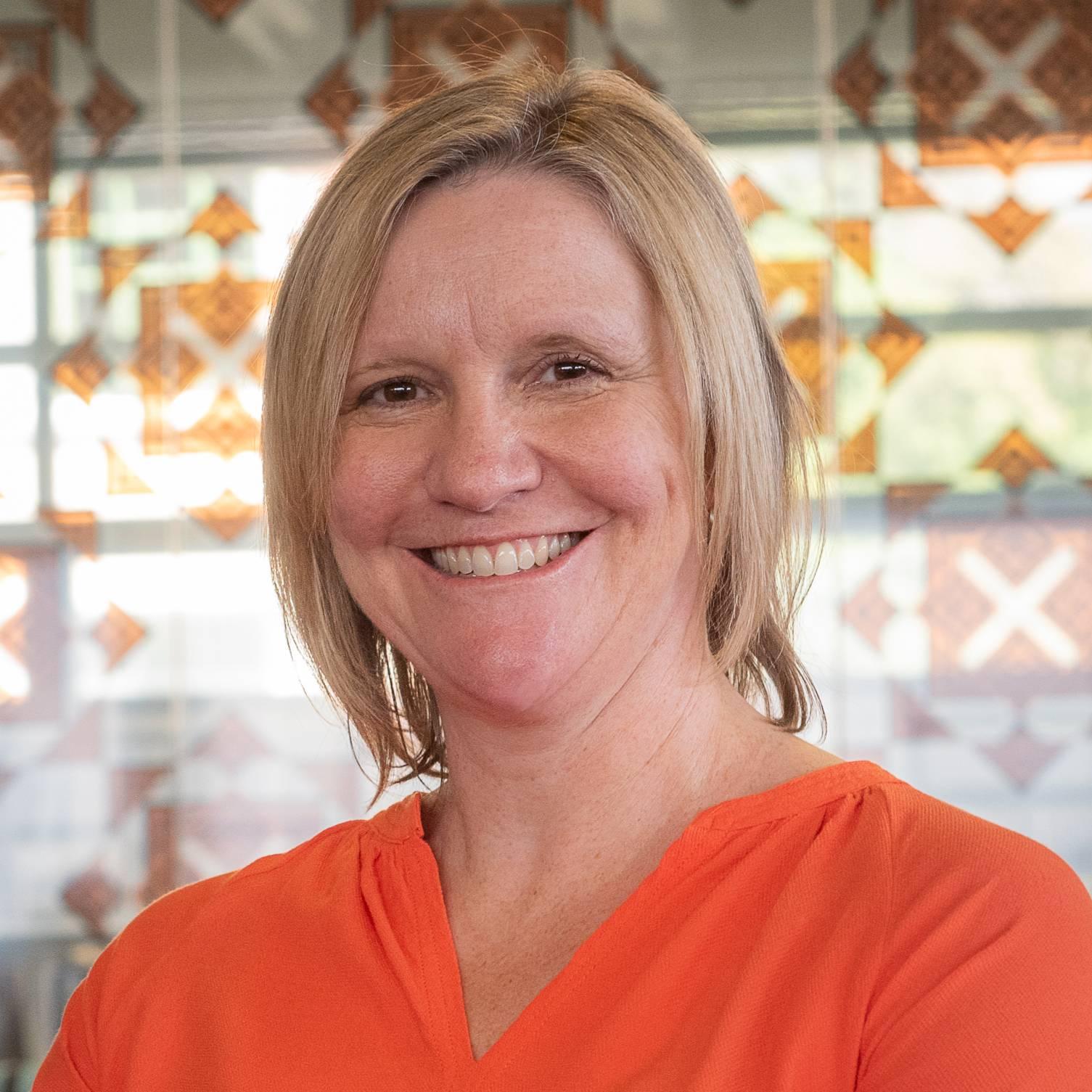 Prof Sarah Leggott profile-picture photograph