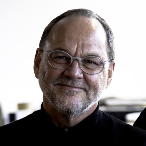 Simon Fraser profile picture photograph