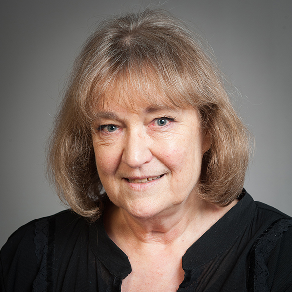 Sue Rogers profile picture photograph