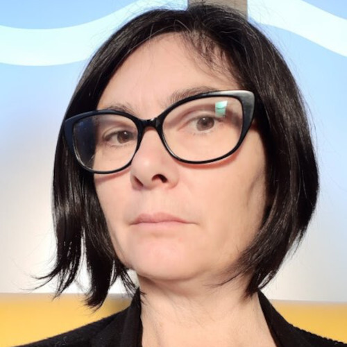 Tania McGowan profile-picture photograph