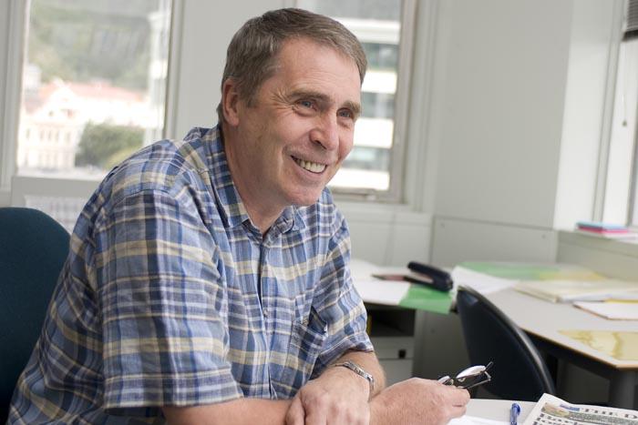 Prof Trevor Hopper profile-picture photograph