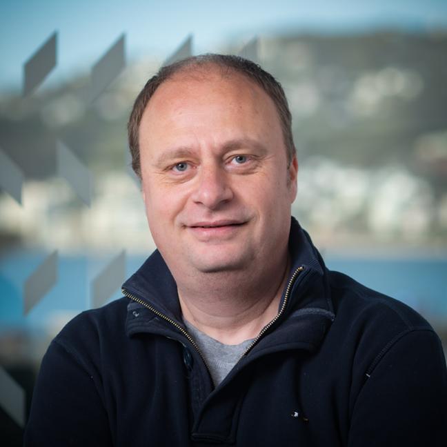 Dr Vladimir Petkov profile-picture photograph