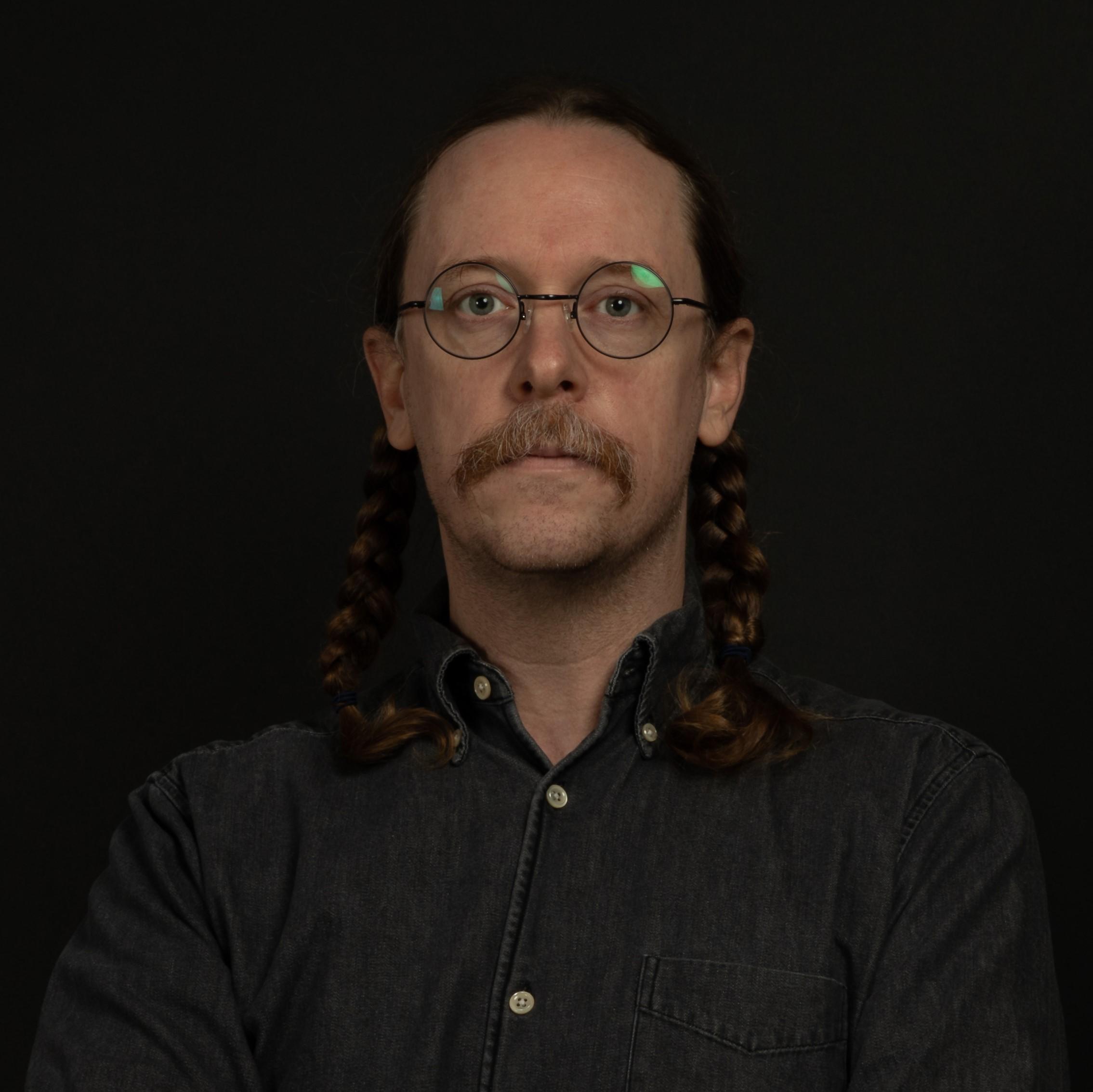 Zach Dodson profile picture photograph