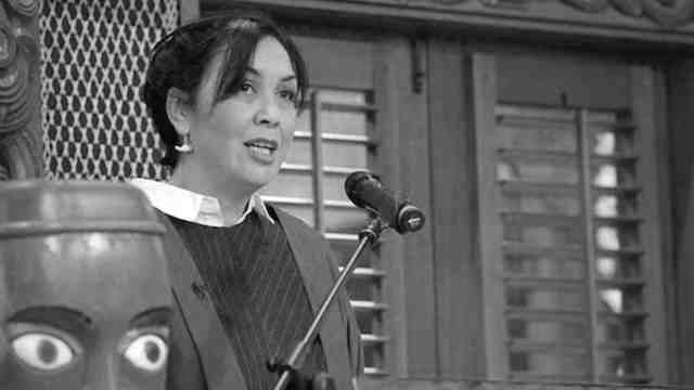 The Deputy Vice-Chancellor Māori Rawinia Higgins delivers speech.
